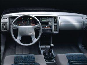 Interiøret i Volvo 440 er konservativt.