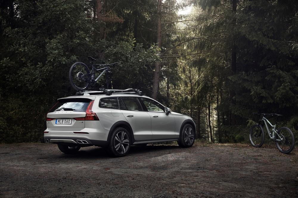 I skoven med Volvo V60 – Nu kommer Cross Country