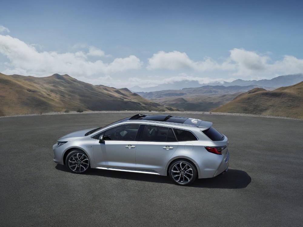 Toyota sætter fart på Corolla'erne – Nu kommer der en Corolla som stationcar