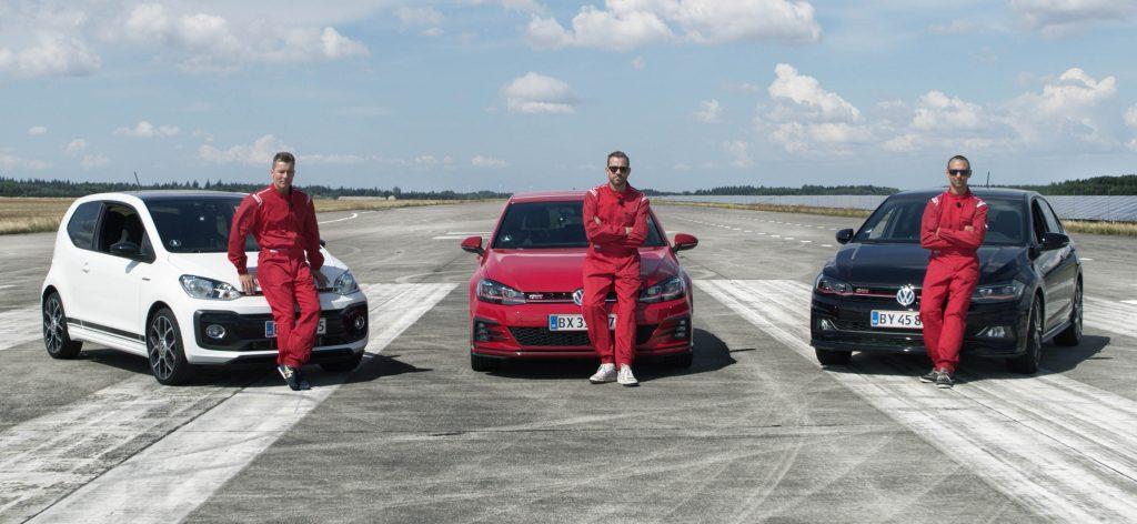 Volkswagen udfordrer tre kendisser i alternativt 0-100 rekordforsøg