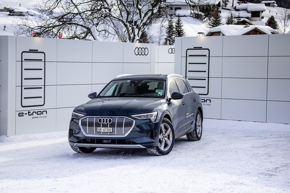 Sustainable mobility for the World Economic Forum in Davos: As the exclusive shuttle partner, Audi is providing a fleet of 50 Audi e-tron cars for the annual meeting in 2019. The all-electric cars are fully powered by green electricity. And with mobile charging containers, the company is demonstrating a potential application of used batteries from electric cars.