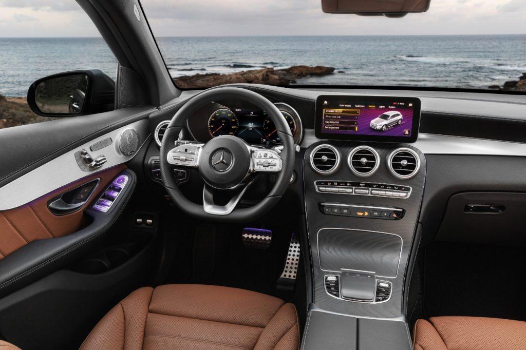 Mercedes-Benz  GLC interiør